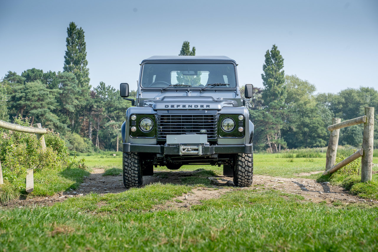 2014 Land Rover Defender 90 TDCI XS Station Wagon 1 Owner 20,000  SOLD (picture 4 of 6)