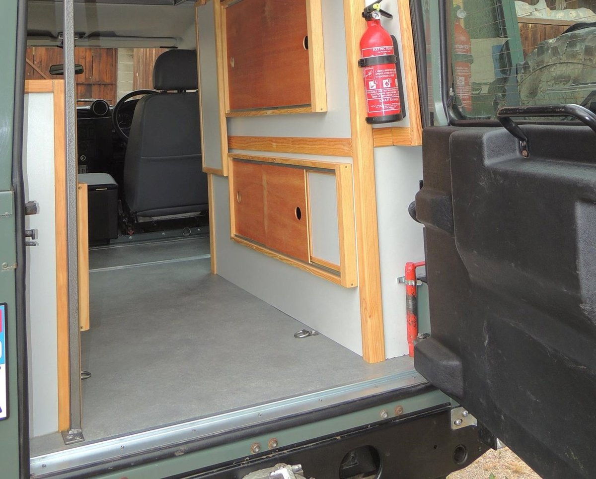 2008 Land Rover Defender 110 Puma - Camper For Sale (picture 4 of 5)