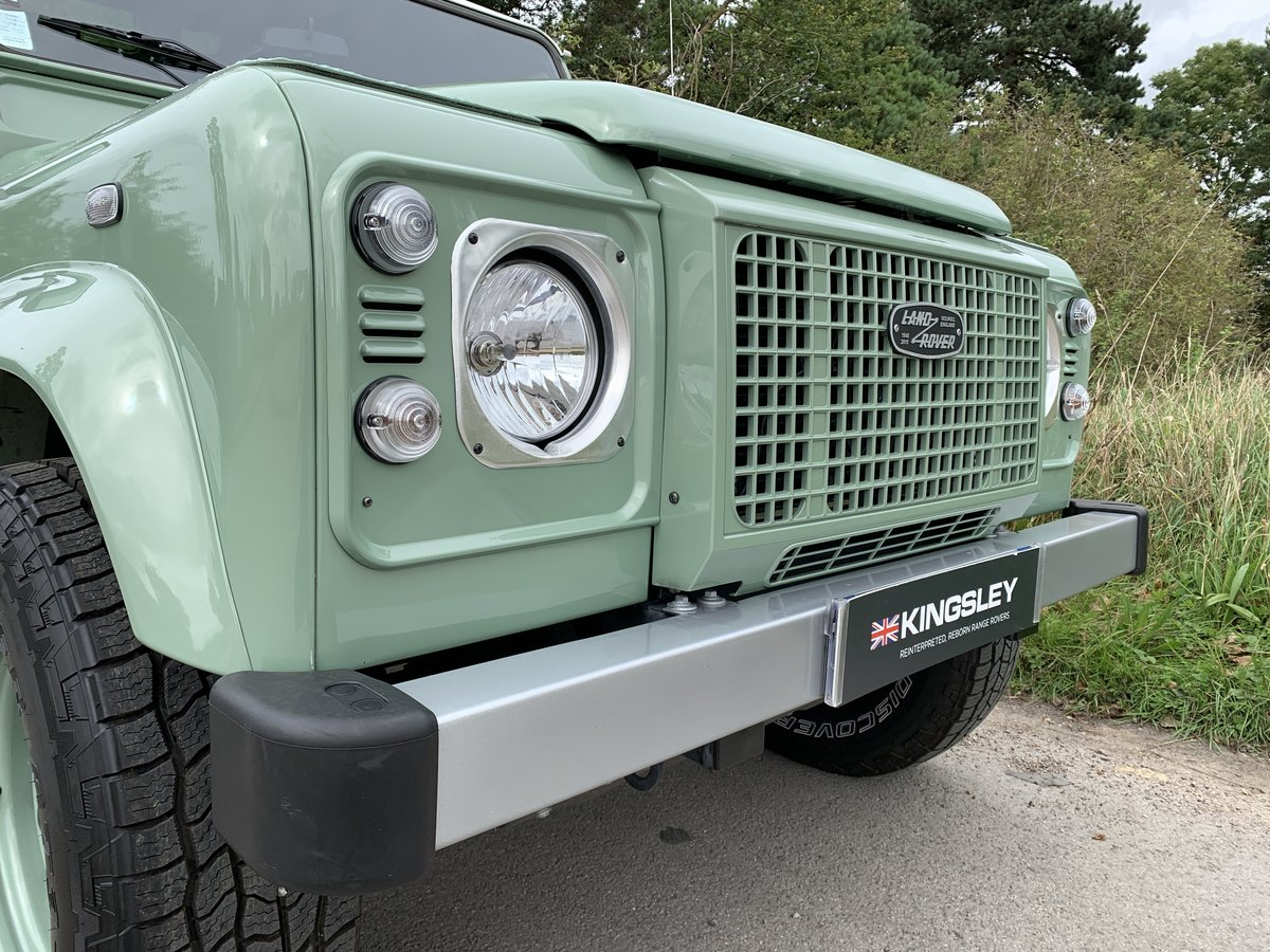 2016 LHD DEFENDER 90 HERITAGE STATION WAGON For Sale (picture 2 of 6)