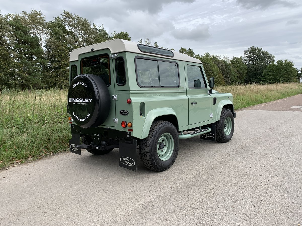 2016 LHD DEFENDER 90 HERITAGE STATION WAGON For Sale (picture 3 of 6)