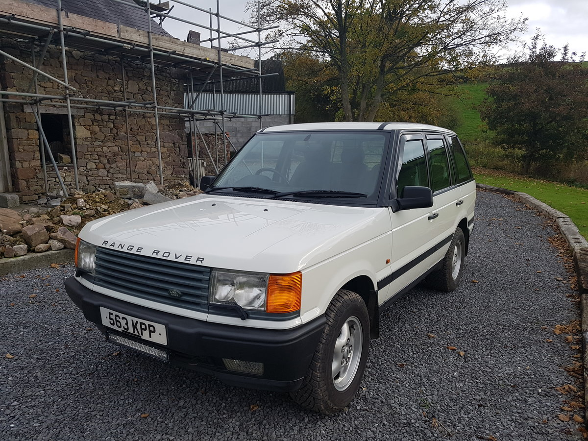 1997 Range rover 4.6 hse in white with gray cloth For Sale (picture 1 of 6)
