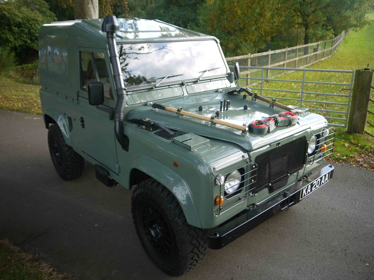 1997 Land Rover Defender 90 XD - Fully restored 'Wolf'. For Sale (picture 3 of 6)