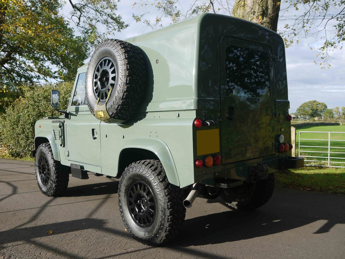 1997 Land Rover Defender 90 XD - Fully restored 'Wolf'. For Sale (picture 4 of 6)