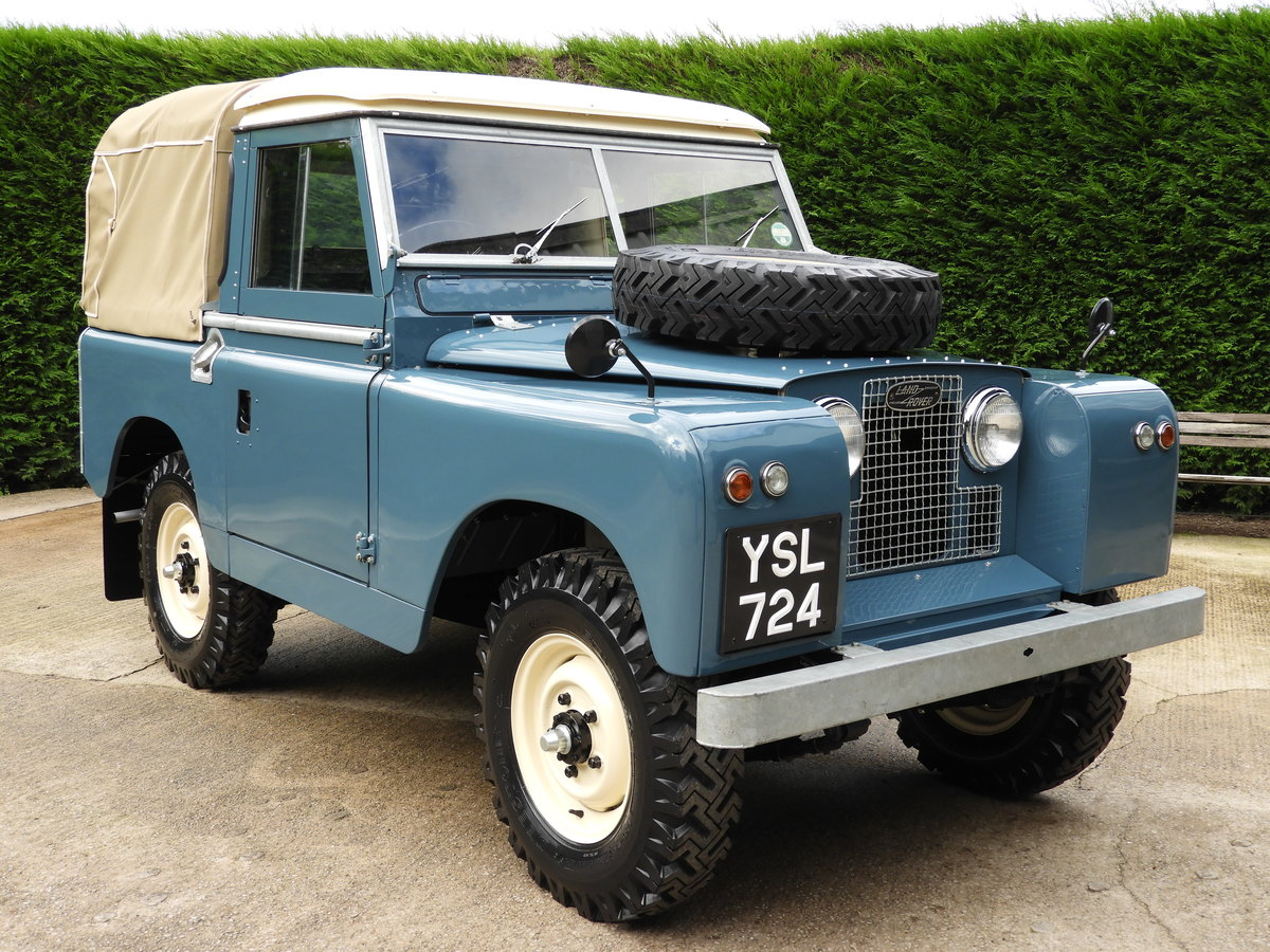 "1961 LAND ROVER SERIES 2 88"" RARE TRUCK CAB FULLY RESTO For Sale (picture 1 of 6)"