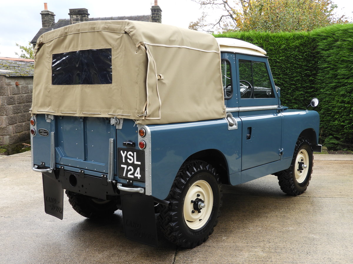 "1961 LAND ROVER SERIES 2 88"" RARE TRUCK CAB FULLY RESTO For Sale (picture 3 of 6)"
