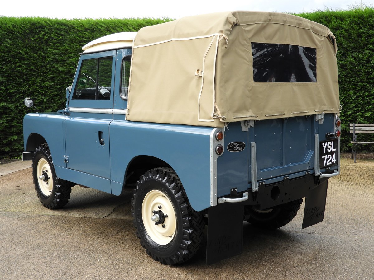 "1961 LAND ROVER SERIES 2 88"" RARE TRUCK CAB FULLY RESTO For Sale (picture 4 of 6)"