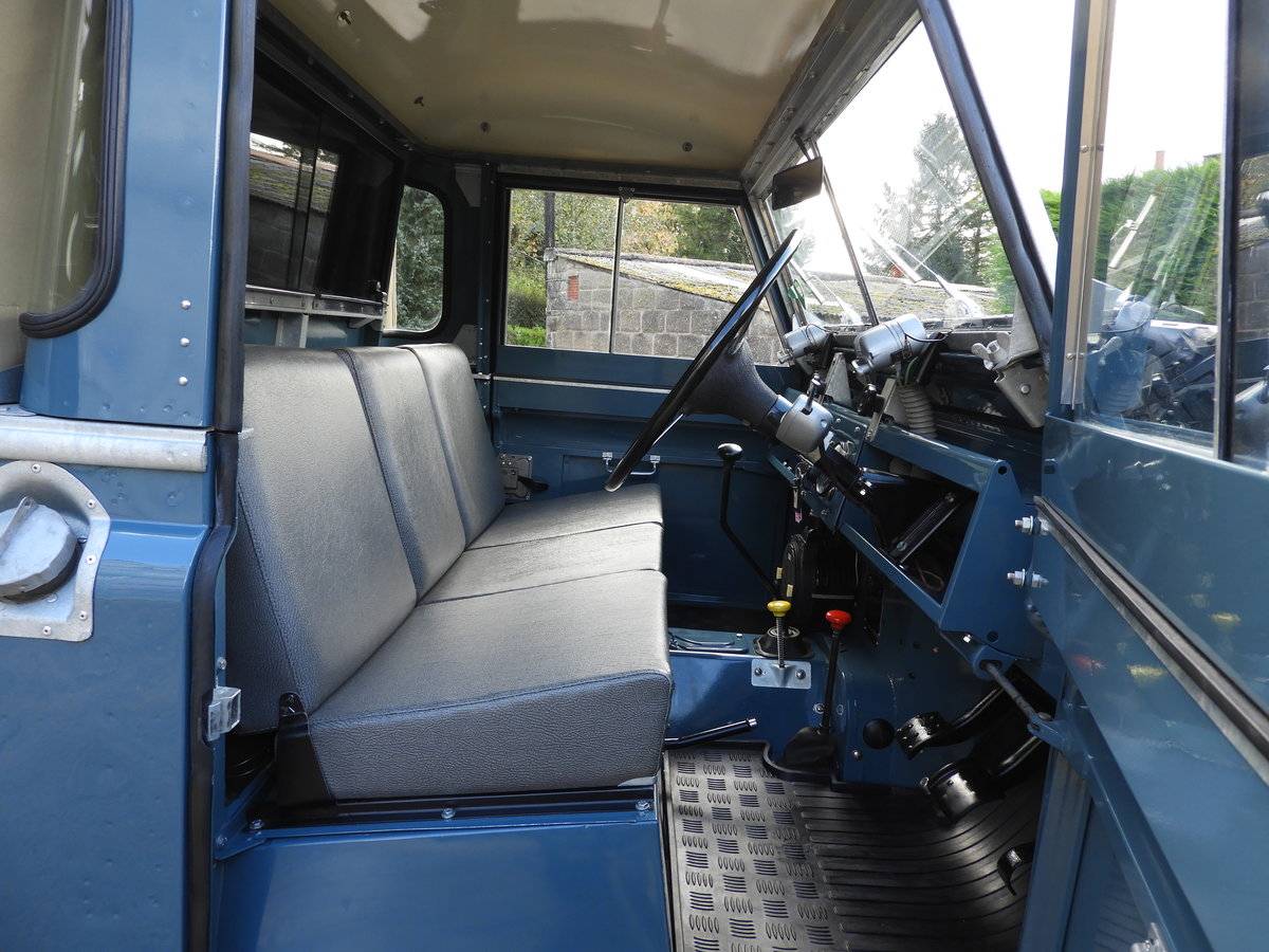"1961 LAND ROVER SERIES 2 88"" RARE TRUCK CAB FULLY RESTO For Sale (picture 5 of 6)"
