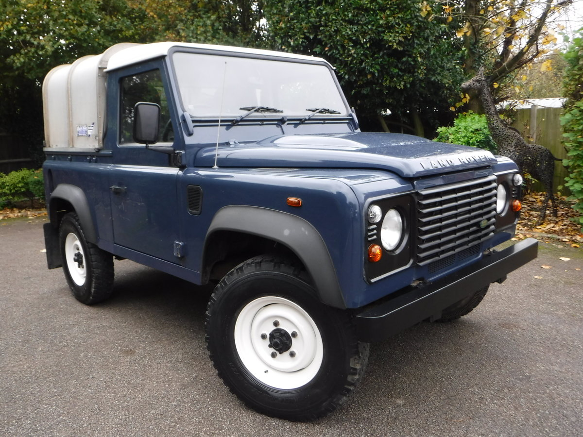 2009 Land Rover Defender 90, TDI Pickup For Sale (picture 1 of 6)