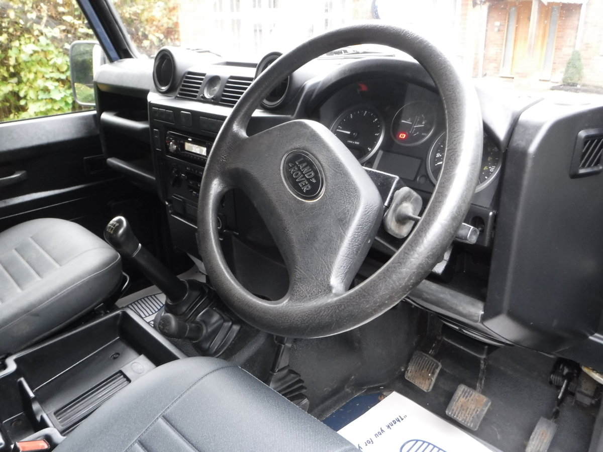 2009 Land Rover Defender 90, TDI Pickup For Sale (picture 4 of 6)