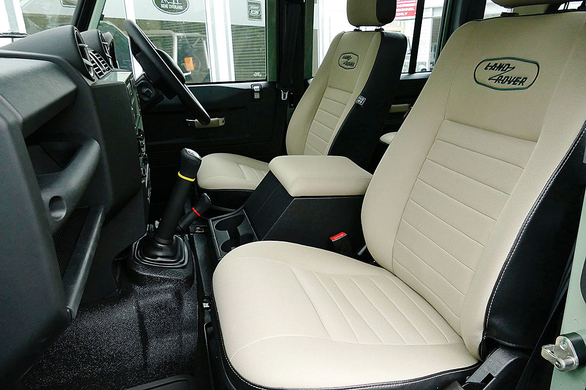 2015 Land Rover Defender 110 2.2TDCi HERITAGE final edition For Sale (picture 5 of 6)
