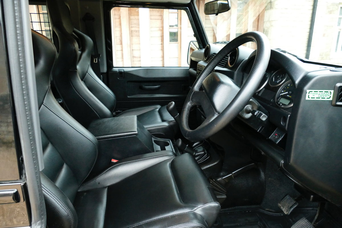 2013 LAND ROVER DEFENDER 90 2.2TDci XS STATION WAGON For Sale (picture 5 of 6)