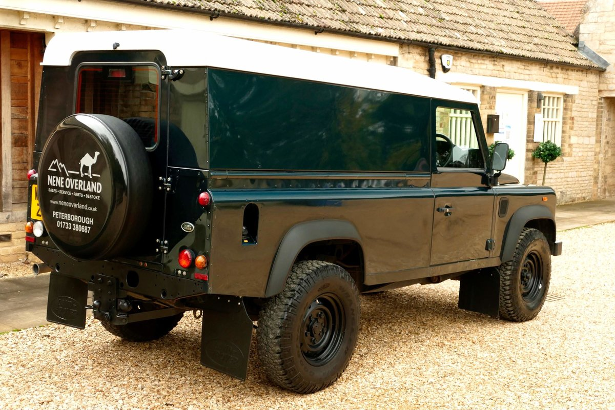2015 LAND ROVER DEFENDER 110 2.2TDci Hard Top For Sale (picture 3 of 6)