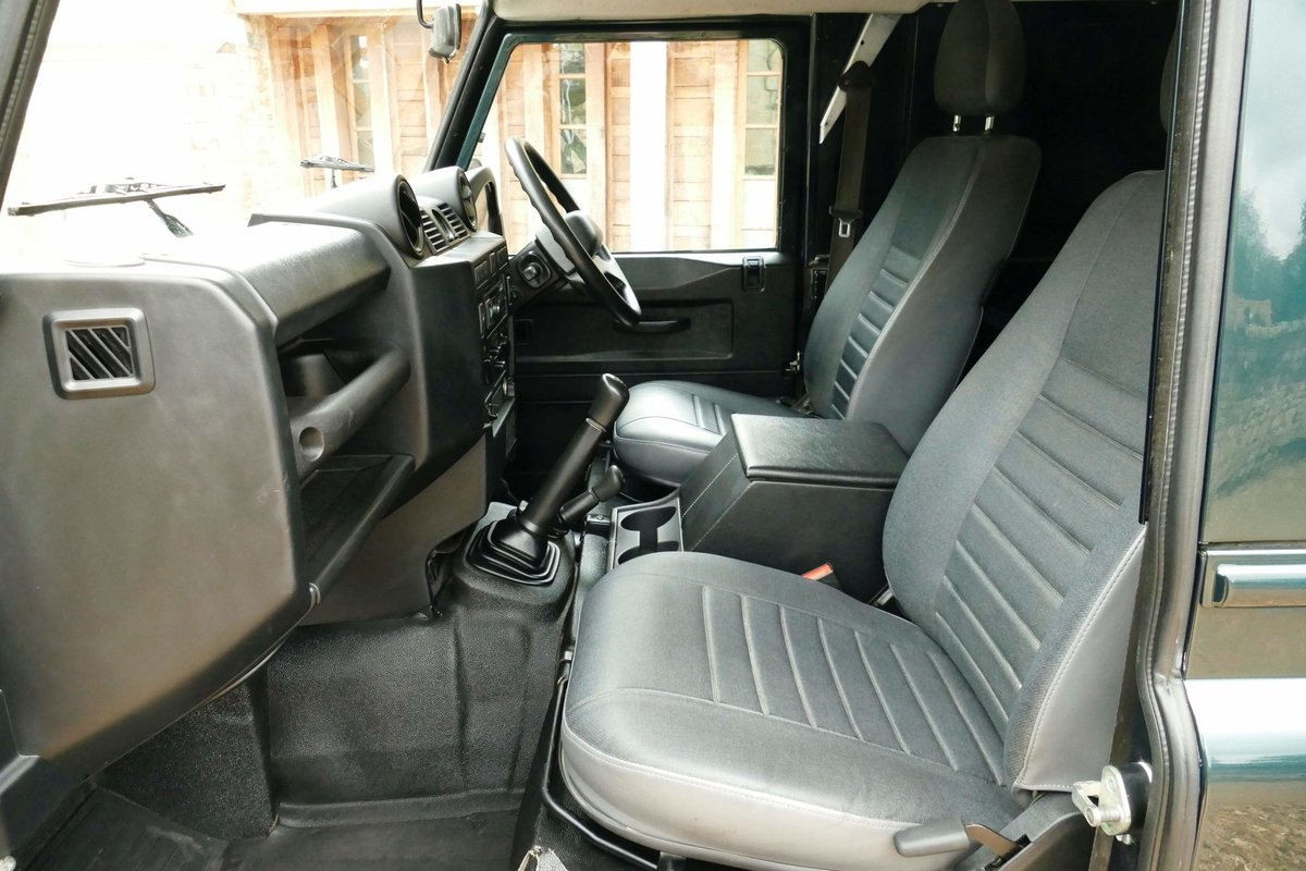 2015 LAND ROVER DEFENDER 110 2.2TDci Hard Top For Sale (picture 5 of 6)