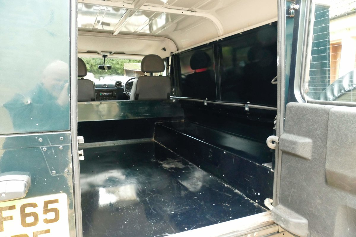 2015 LAND ROVER DEFENDER 110 2.2TDci Hard Top For Sale (picture 6 of 6)