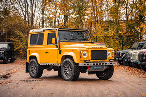 Defender 90 Station Wagon - Bowler Edition