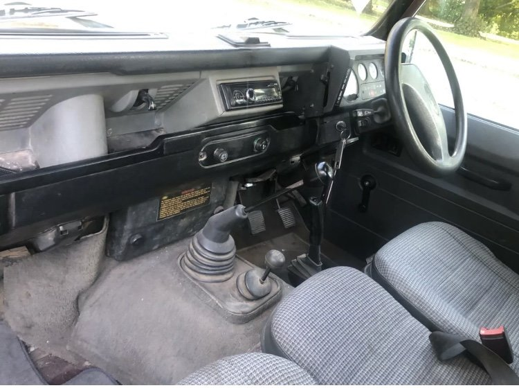 1995 /M Land Rover Defender 110 CSW For Sale (picture 5 of 6)