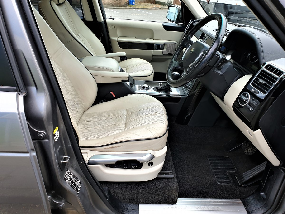2008 RANGE ROVER VOGUE 3.6 V8 TURBO DIESEL FULL SERVICE HISTORY For Sale (picture 4 of 6)