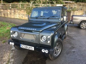 Immaculate Defender 90 upgraded by JE Motorworks
