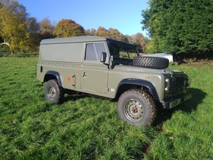 Land Rover 110 V8, restored, Military, LPG