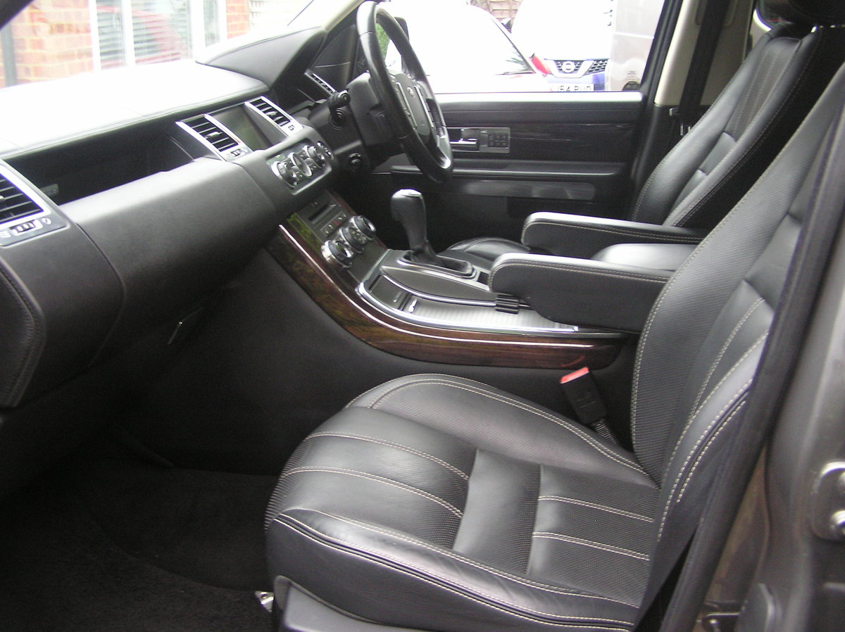 2010 Land Rover Range Rover Sport 3.0 TD V6 HSE For Sale (picture 5 of 6)