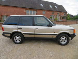 Picture of RANGE ROVER P38 4.6 HSE 1999 41,000 MILES SERVICE HISTORY For Sale