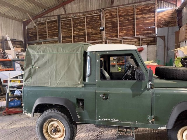 1986 Land Rover 90  V8 SOLD (picture 3 of 5)