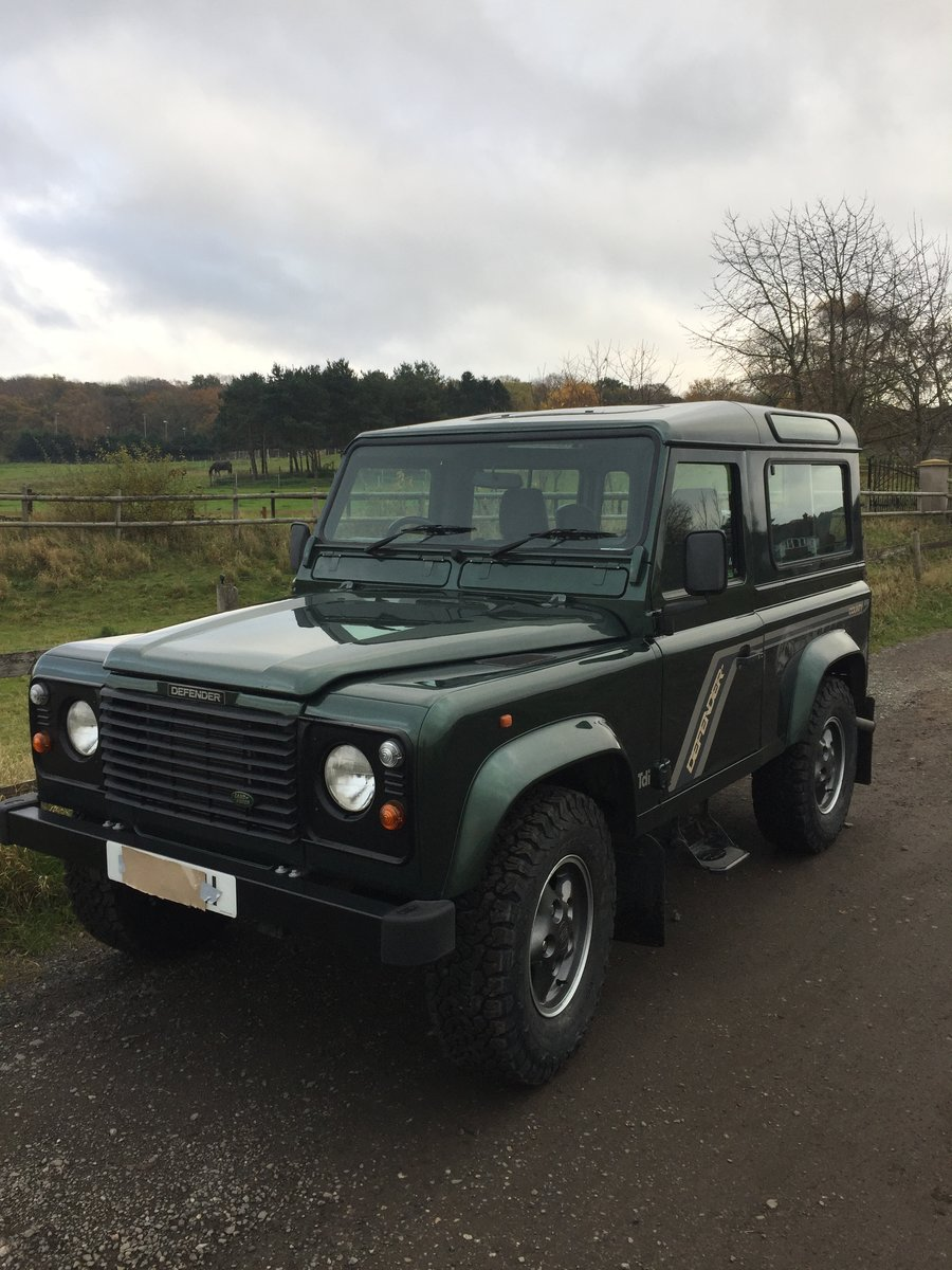 1994 Most desirable defender 90 300 tdi sw Currently under offer For Sale (picture 2 of 6)