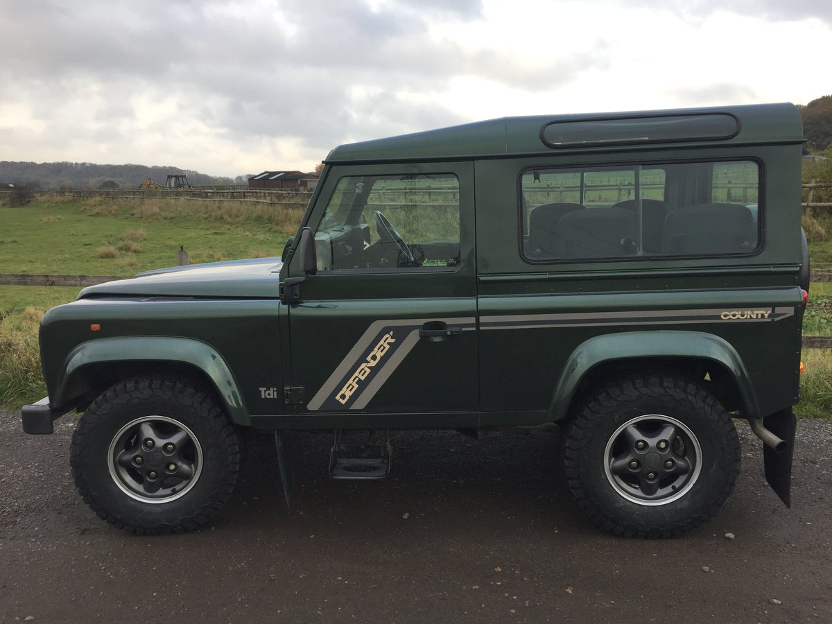 1994 Most desirable defender 90 300 tdi sw Currently under offer For Sale (picture 4 of 6)