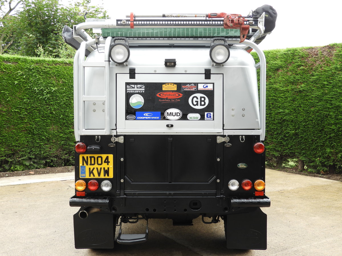 2004 LAND ROVER DEFENDER 110 2.5 TD5 XS DBL CAB EXPEDITION For Sale (picture 6 of 12)