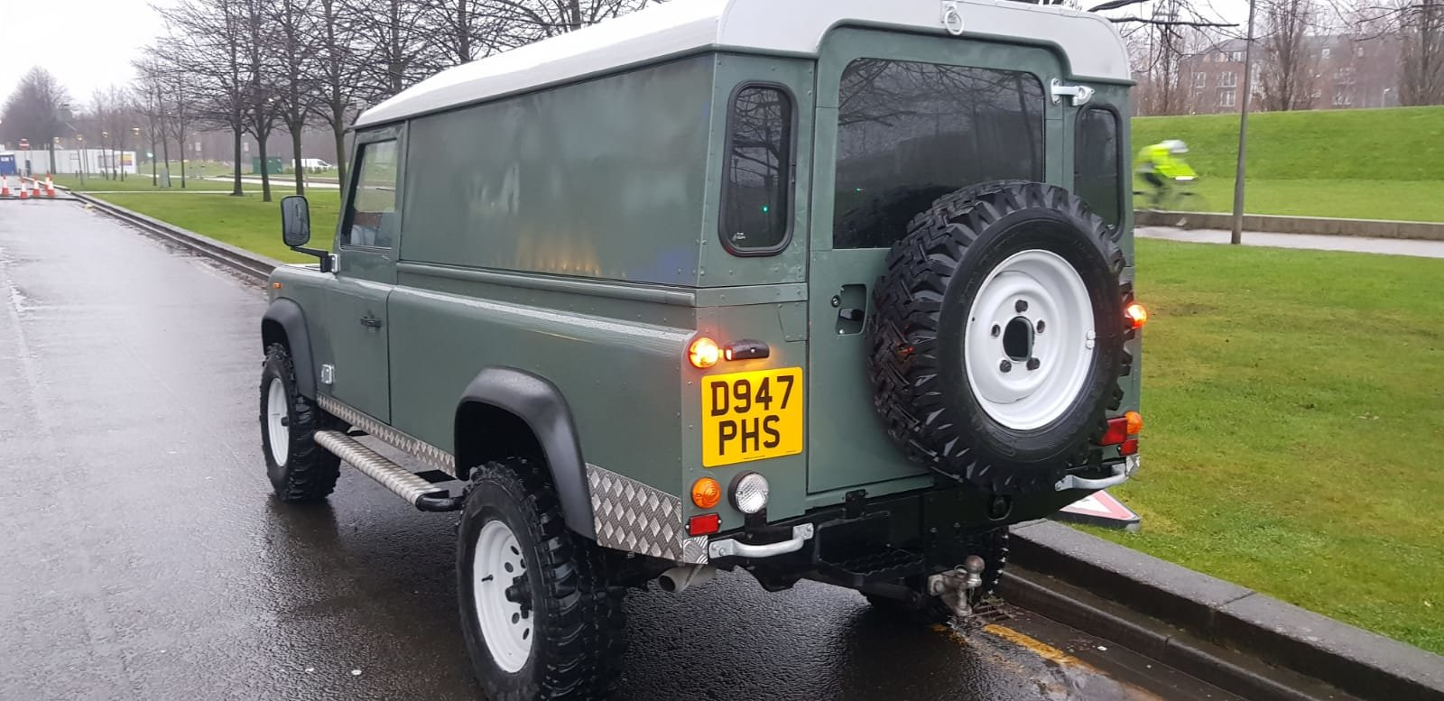 1986 Fully refurbished110 landrover For Sale (picture 1 of 12)