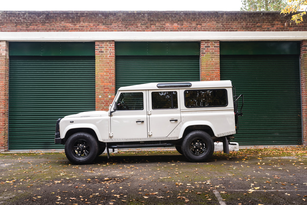 2009 Land Rover Defender 110 - LHD - 1 Owner - UK Registered For Sale (picture 3 of 12)