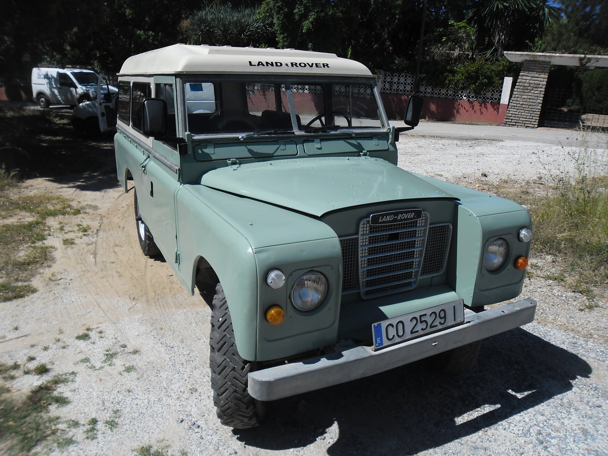 1979 Classic Land Rover 109  4x4 convertible For Sale (picture 3 of 12)