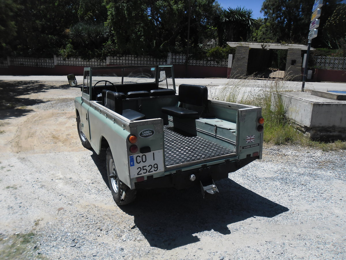1979 Classic Land Rover 109  4x4 convertible For Sale (picture 4 of 12)