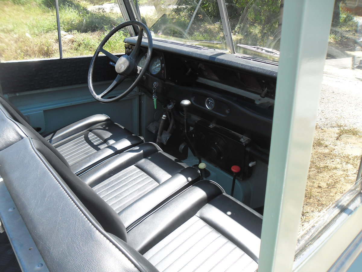 1979 Classic Land Rover 109  4x4 convertible For Sale (picture 5 of 12)