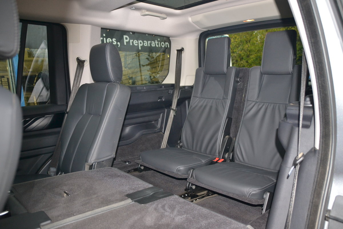 2015 Land Rover Discovery 4 3.0 SDV6 HSE For Sale (picture 10 of 12)