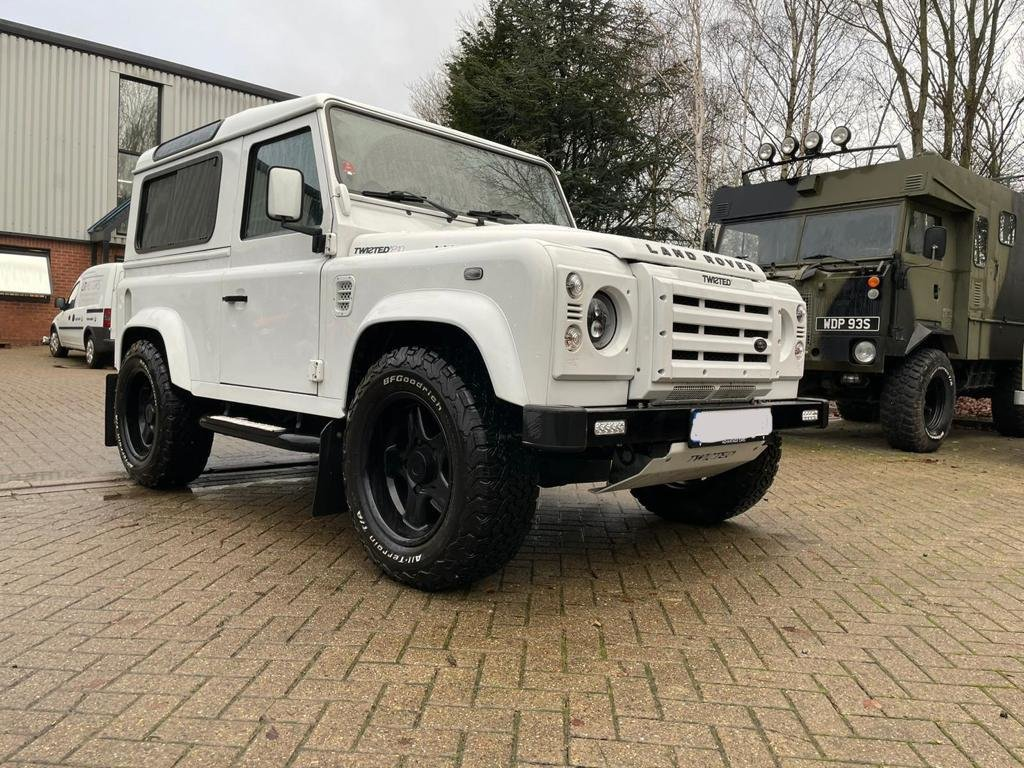 2013 LAND ROVER DEFENDER 90 XS AUTOMATIC LEFT HAND DRIVE For Sale (picture 1 of 7)