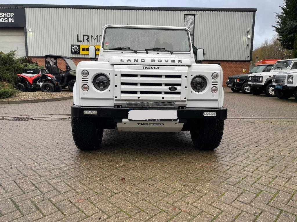 2013 LAND ROVER DEFENDER 90 XS AUTOMATIC LEFT HAND DRIVE For Sale (picture 3 of 7)