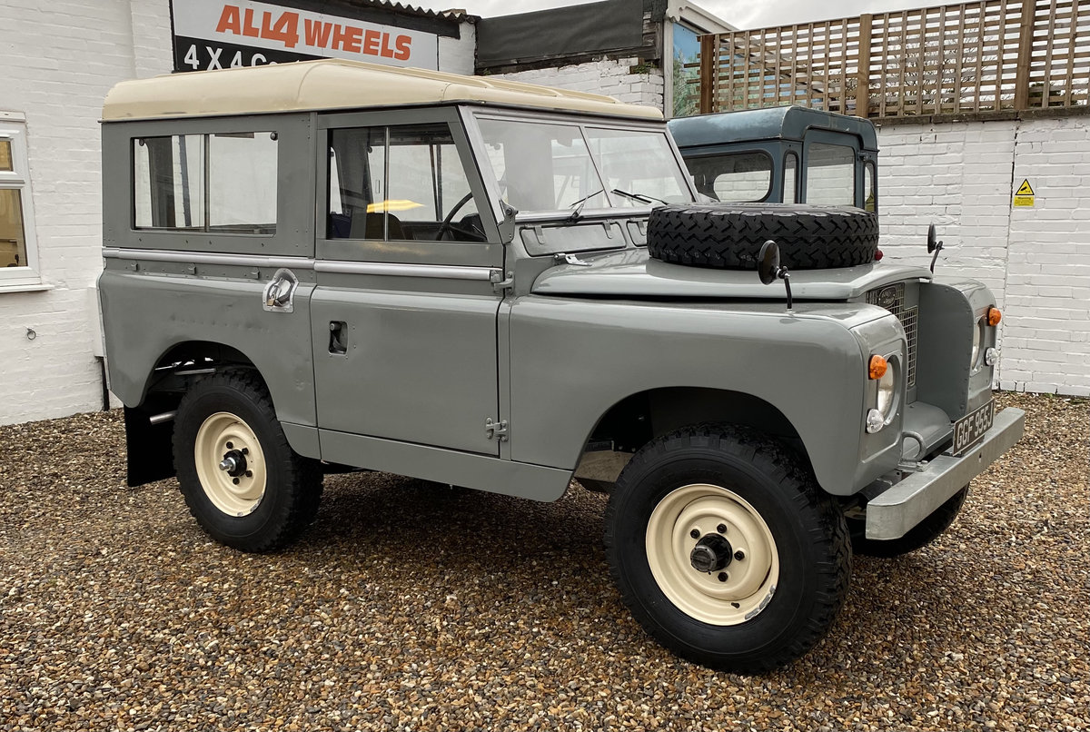 """1971 Land Rover Series 2a SWB 88"""" SOLD (picture 1 of 12)"""
