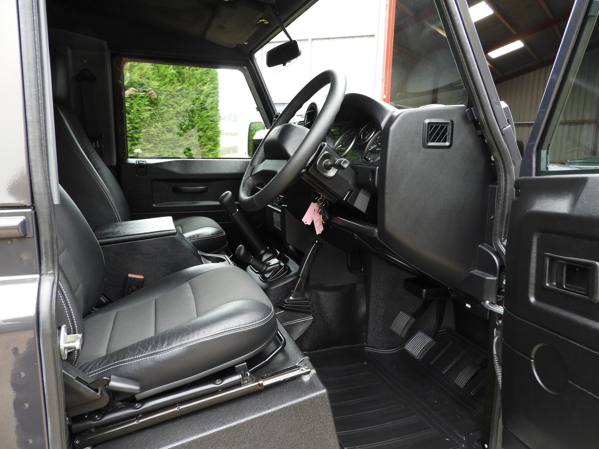 2015 LAND ROVER DEFENDER 90 2.2TDCI XS STATION WAGON !!! For Sale (picture 8 of 12)