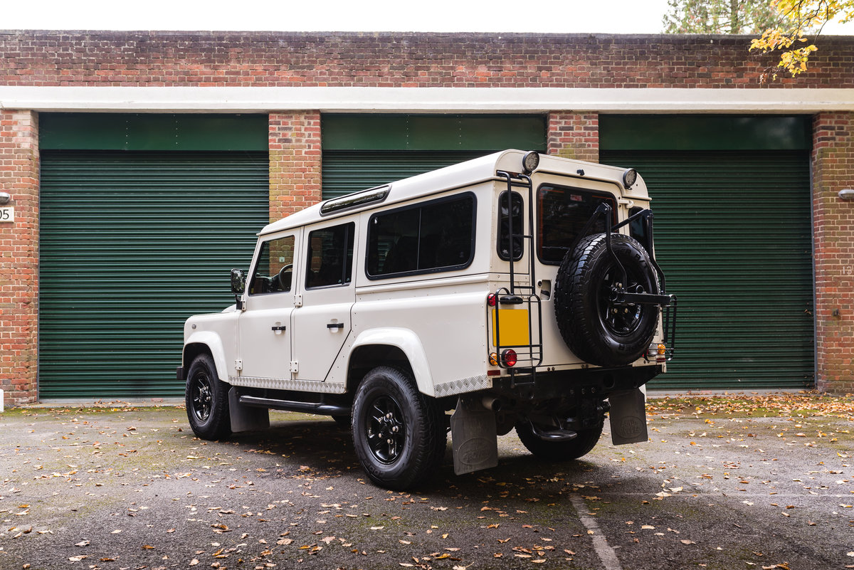 2009 Land Rover Defender 110 - LHD - 1 Owner - UK Registered For Sale (picture 4 of 12)