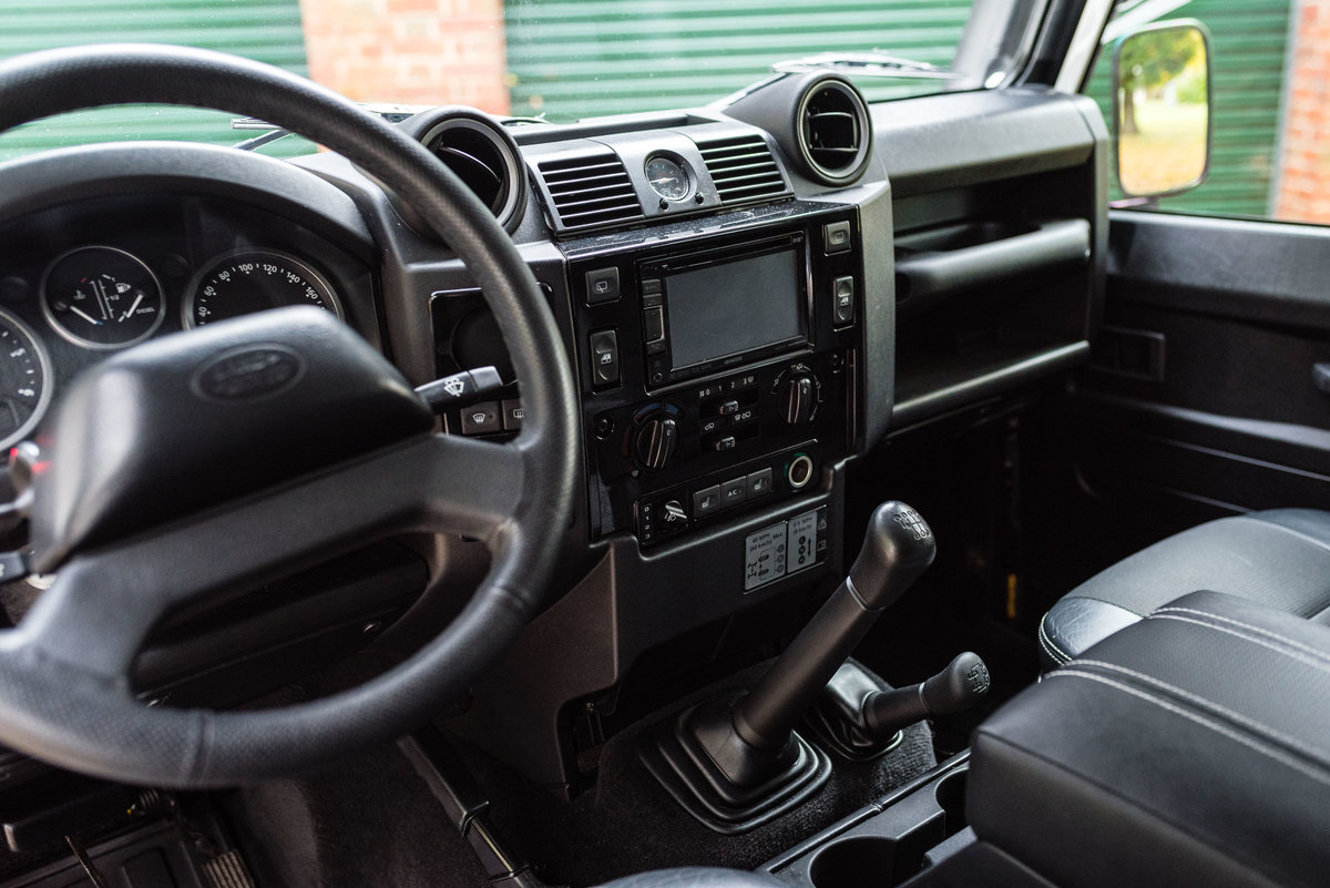 2009 Land Rover Defender 110 - LHD - 1 Owner - UK Registered For Sale (picture 10 of 12)