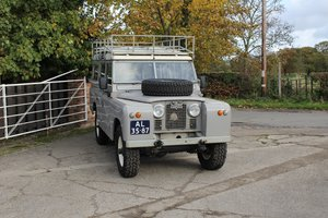Picture of 1966 Land Rover Series IIA 109 Safari, Full Leather Interior For Sale