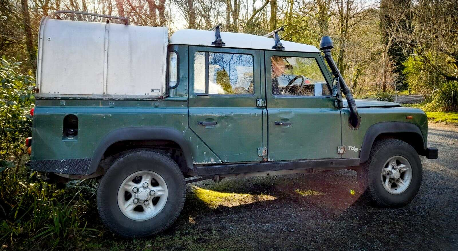 2001 DEFENDER 110 TD5 Twin Cab on GALVANISED CHASSIS For Sale (picture 2 of 5)