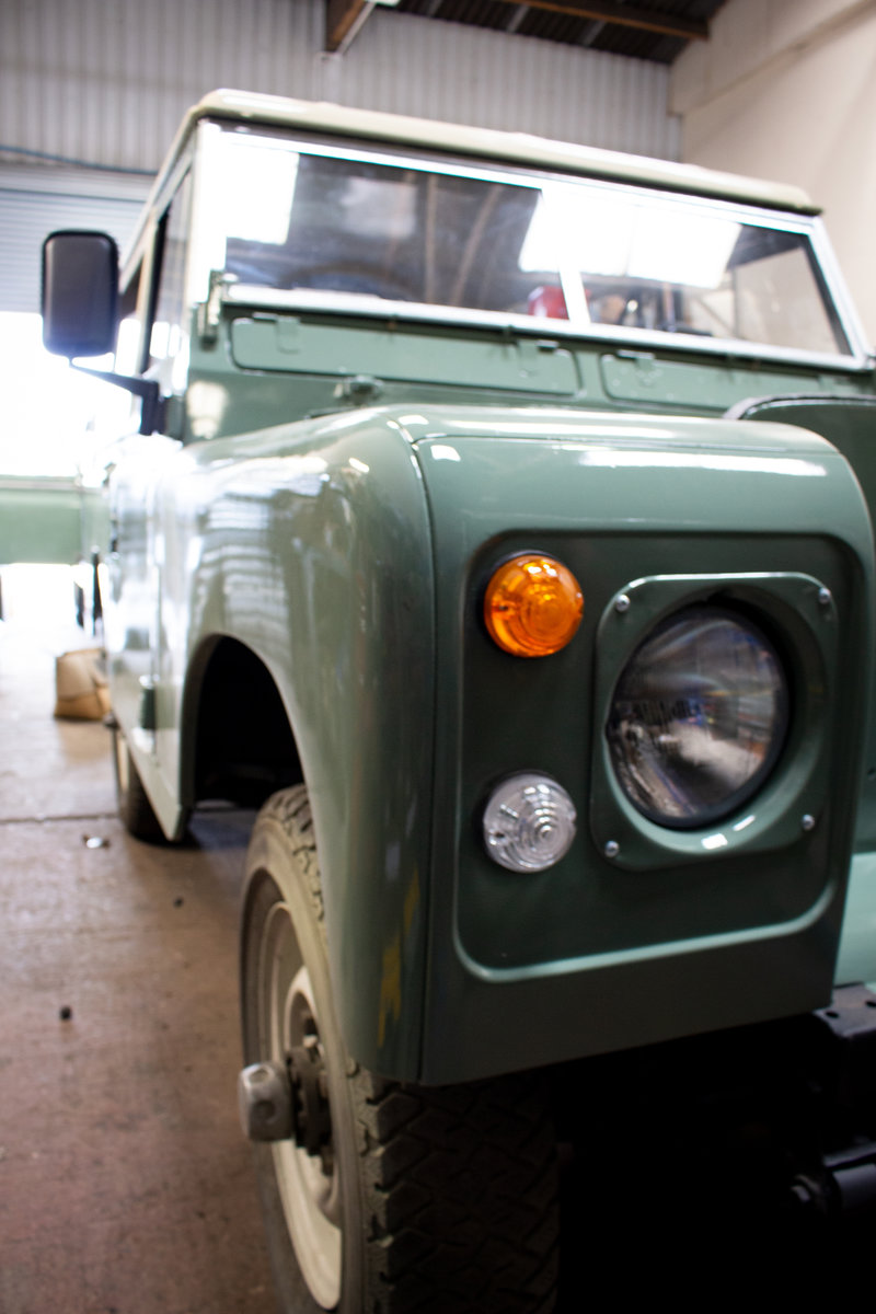 1974 Land Rover Series 3 2.25 petrol 6 Seater Restored! For Sale (picture 3 of 12)