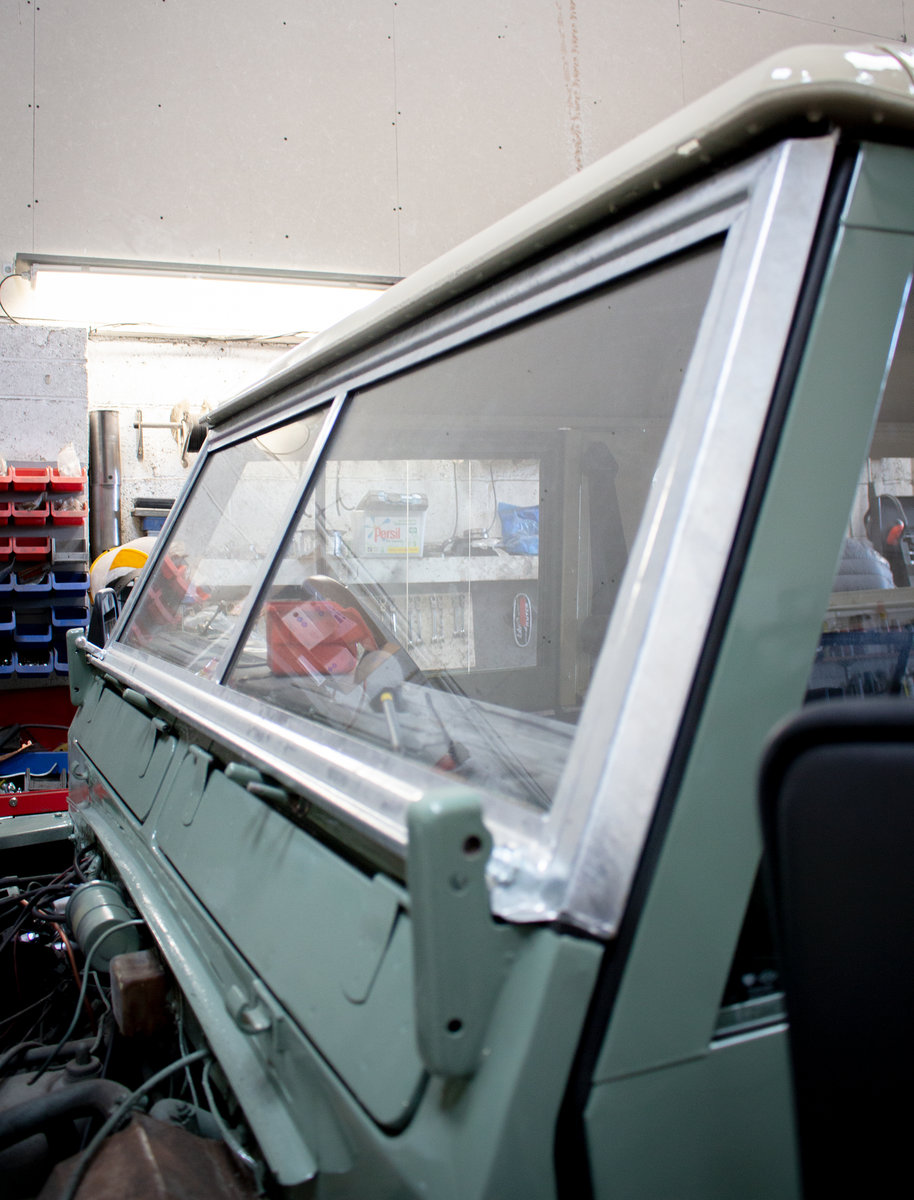 1974 Land Rover Series 3 2.25 petrol 6 Seater Restored! For Sale (picture 6 of 12)