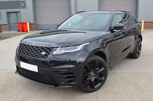 Picture of 2017 2.0 R-DYNAMIC HSE BLACK 5d 238 BHP - 1-OWNER For Sale