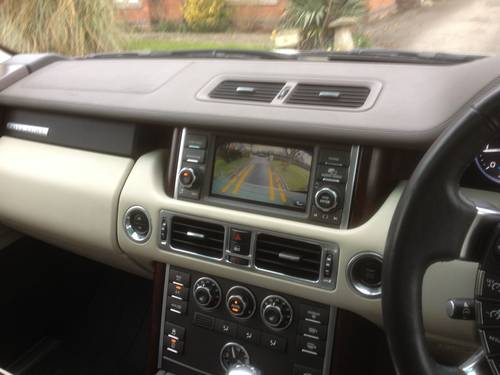 2010 Range Rover Vouge TDV8 Auto SOLD (picture 4 of 6)