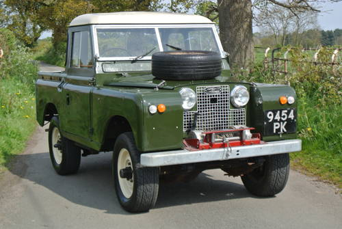 1964 LAND ROVER SERIES IIA SWB / 88 SOLD (picture 1 of 6)