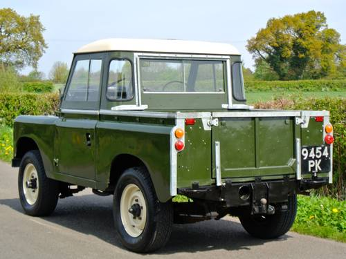 1964 LAND ROVER SERIES IIA SWB / 88 SOLD (picture 2 of 6)