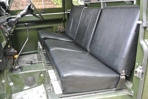1964 LAND ROVER SERIES IIA SWB / 88 SOLD (picture 5 of 6)